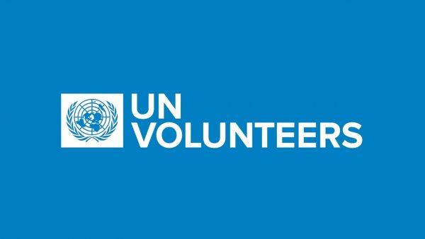 UN volunteers